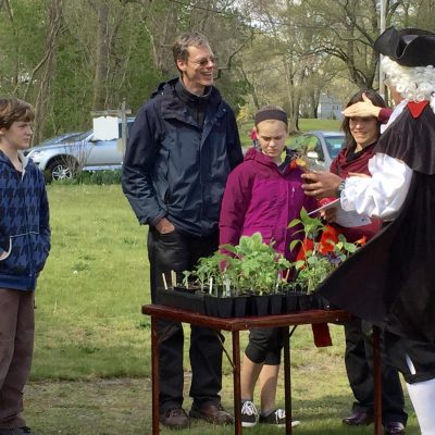 Count Rumford gives plants to visiting families on Mother's Day